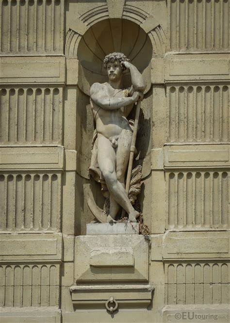 Photos of The Harvester statue on Musee du Louvre - Page 420