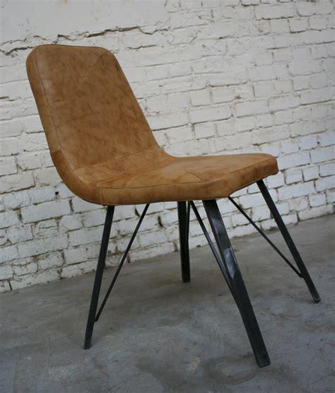 chaises cuir chaise c 39 cu007 giani desmet meubles indus bois métal et