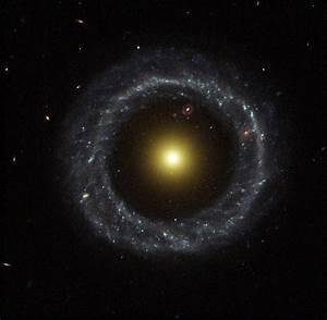 APOD: 2013 July 28 - Hoag's Object: A Strange Ring Galaxy