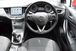 Vauxhall Astra Review