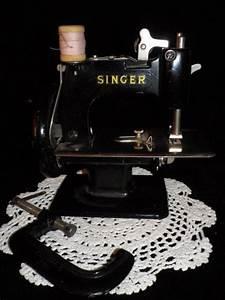 Petite Machine À Coudre : machine a coudre jouet singer efiona ~ Melissatoandfro.com Idées de Décoration