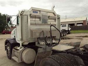 Peterbilt  1997    Daycab Semi Trucks