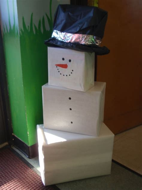 diy snowman holiday decor   boxes  wrapping