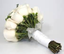 diy wedding flowers how to make a diy wedding bouquet bravobride