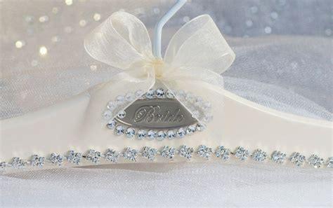 unique wedding dress ideabeautiful bridal hanger