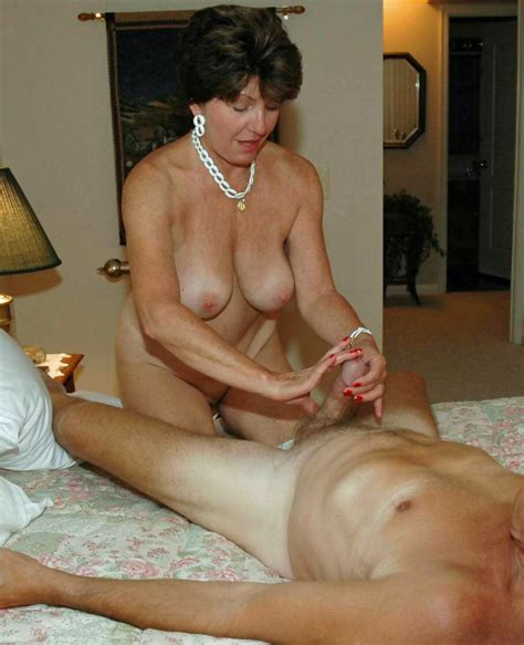 Nude Moms Amateur Photos Collection Of Horny Moms Which