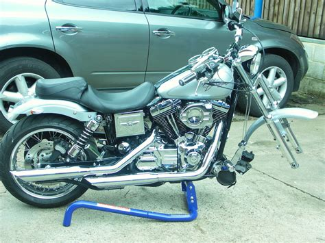 strongarm harley davidson service lift motorcycle stand