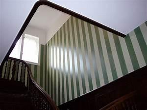 Wandgestaltung Wohnzimmer Streifen : dekorative gestaltung von wohnraum und wohnzimmer ~ Sanjose-hotels-ca.com Haus und Dekorationen