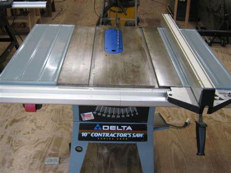 delta  contractor table   sale  wdhlt
