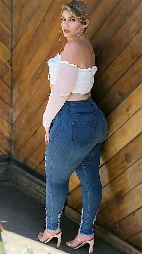 danielle carbonari curvy hips curvey women curvy  size