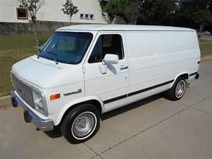 1993 Chevrolet G20 Chevy Van Standard Cargo Van 3