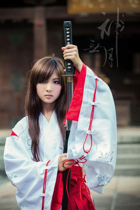 Japanese Miko And Sword By Nova Fly On Px Female Samurai Katana Girl Warrior Girl