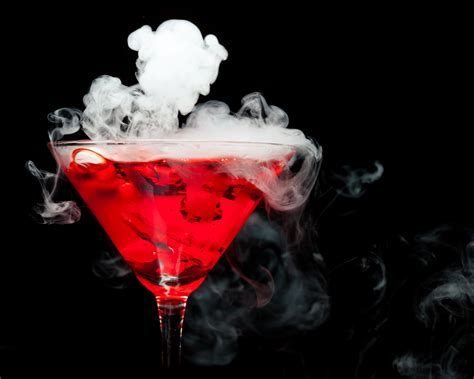 'Toxic Cocktail' Made With Liquid Nitrogen Sends Florida