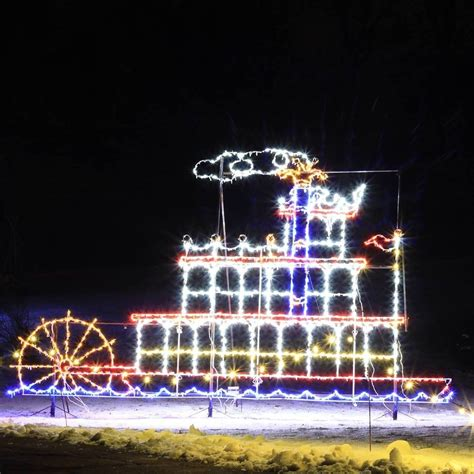 holiday drive through light displays