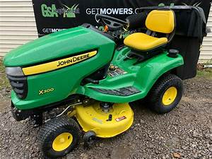 42in John Deere X300 Lawn Tractor W  Bagger And Front Blade