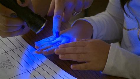 Classroom Experiment Reveals Just How Quickly Germs Can Spread Video  Abc News