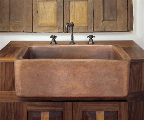 cheap farmhouse kitchen sinks 1000 images about sinks and countertops on 5253