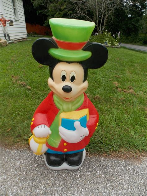 10 reasons to install mickey mouse lights