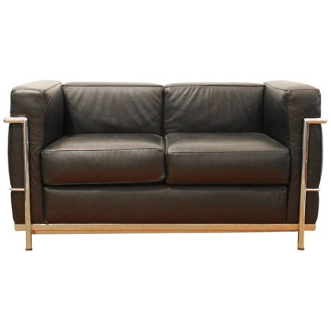 Corbusier Loveseat by Lc2 Sofa By Le Corbusier For Alivar For Sale At 1stdibs