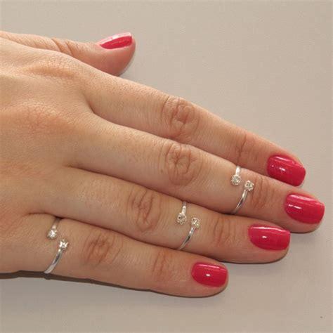 Você sabe o que são anéis de falange? | Blog Prata Fina