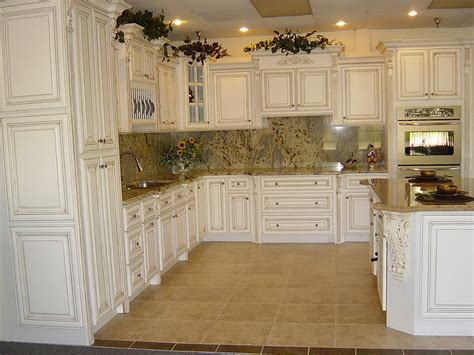 antique beige kitchen cabinets diy antique kitchen cabinets home design ideas 4074