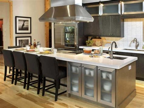 Kitchen Island With Cooktop And Seating And With Sink