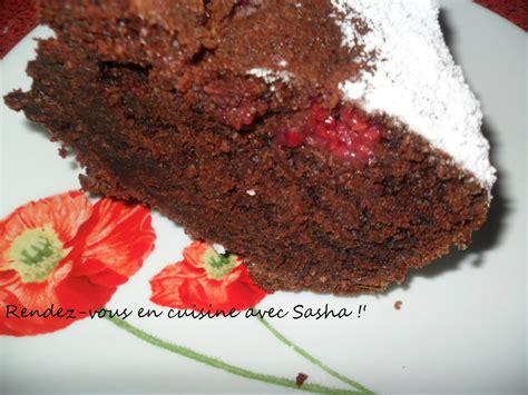 en cuisine avec coco gâteau au chocolat noix de coco et aux framboises rendez