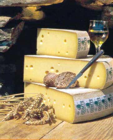 les 25 meilleures id 233 es de la cat 233 gorie fromage pate molle sur plateaux de fruits