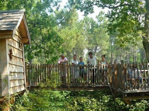chambre hote dans les arbres des chambres d hôtes perchées dans les arbres