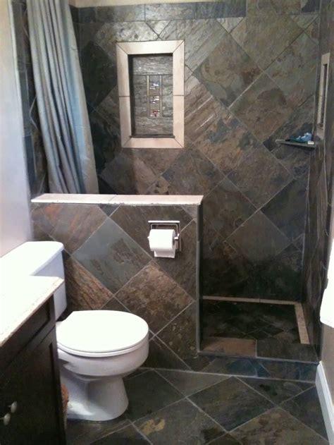 pakai batu alam kamar mandi minimalis desain kamar