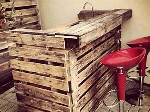 Bar Aus Holzpaletten : la palette en bois dans tous ses tats home decor ~ A.2002-acura-tl-radio.info Haus und Dekorationen