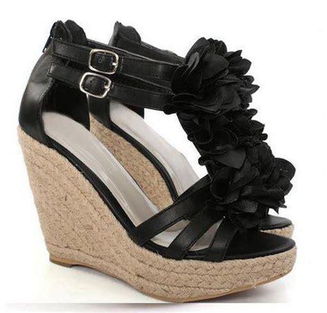 Wedges Hitam V ain salsabil kasut hitam