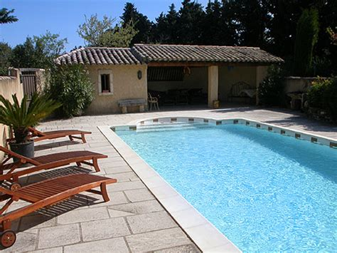 Piscine Et Jardin à La Bastide Des Cardelines En Provence