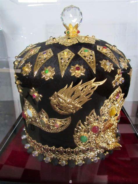 Crown jewels… | Prisoners of the Crown