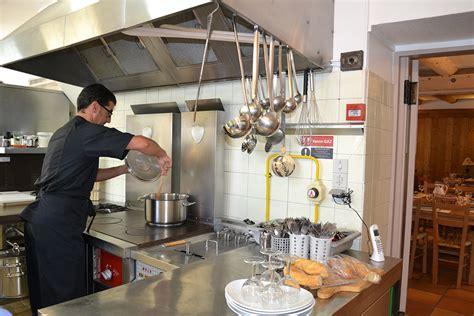 mat駻iel de cuisine professionnelle le bar restaurant h 244 tel restaurant l adray