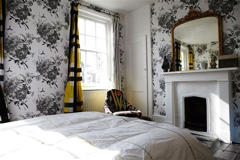 Modern Curtains For Living Room Uk by Floral Bedroom Wallpaper Bedrooms Decorating Ideas