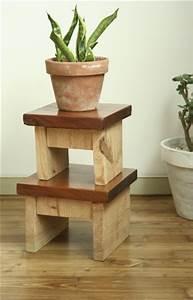 Mini Tabouret Bois : tabouret en bois esprit cabane idees creatives et ecologiques ~ Teatrodelosmanantiales.com Idées de Décoration