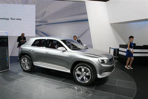 vw cross coupe previews range rover evoque rival