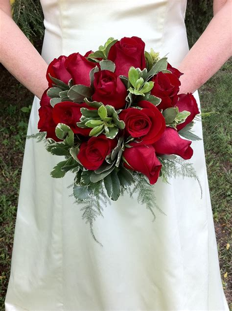 enchanted petal red roses