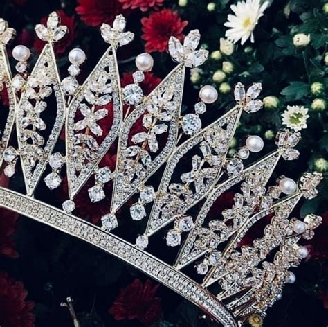 Pin By Berenic Vila On Amore Jewelry Crown Jewelry