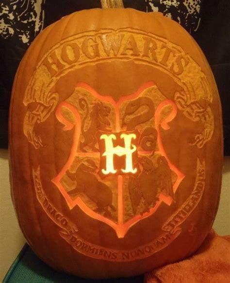 moonandtrees omggg hogwarts harry potter halloween harry potter pumpkin pumpkin carving