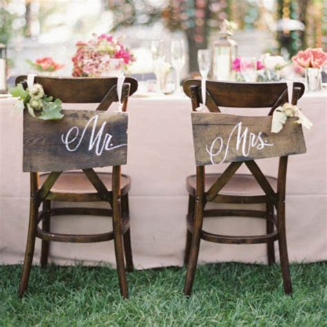 wedding tables and chairs wedding decor chair covers sashes perrysburg wedding