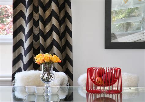 Chevron Curtains In Living Room :  How To Pull It Off At Home