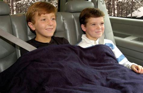 Trillium Worldwide Car Cozy 2 12-volt Heated Travel Blanket (navy, 42