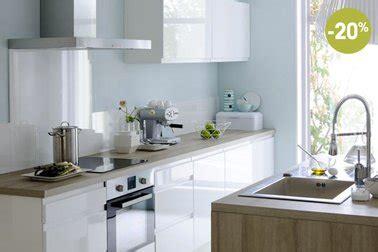 cosy cuisine cuisine blanche fly modele cosy ilot en stratifie chene clair