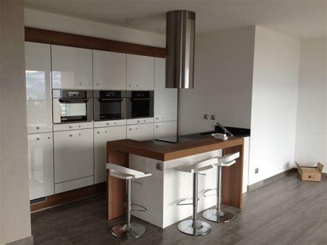 cuisine design petit espace cuisine petit espace par woodworker74 sur l 39 air du bois
