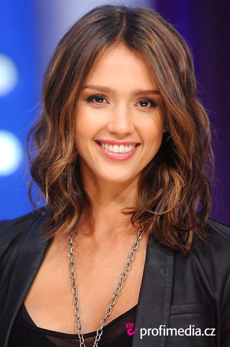 30 Jessica Alba Hairstyles Which Are Hot Slodive