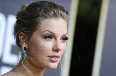 Taylor Swift   Swift photo, Taylor swift, Katy perry