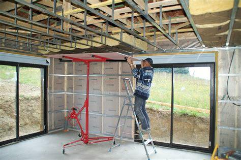 pose de rail pour plafond maison travaux
