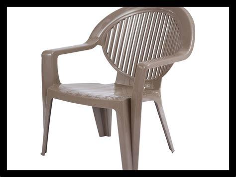 chaise en plastique pas cher fauteuil de jardin en plastique 40643 fauteuil idées